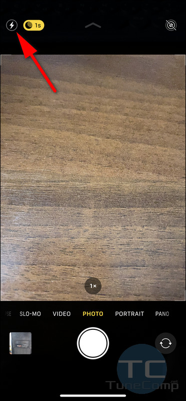 Flash toggle iPhone 11 camera